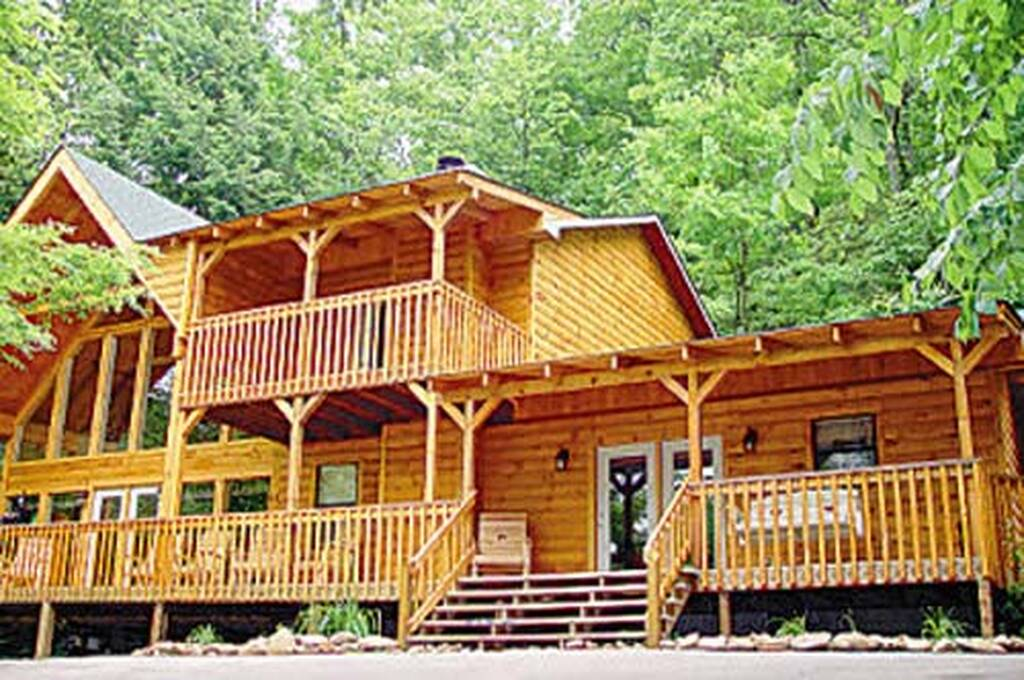 Big bear retreat 3 bedroom vacation cabin rental in pigeon for 123 cabins