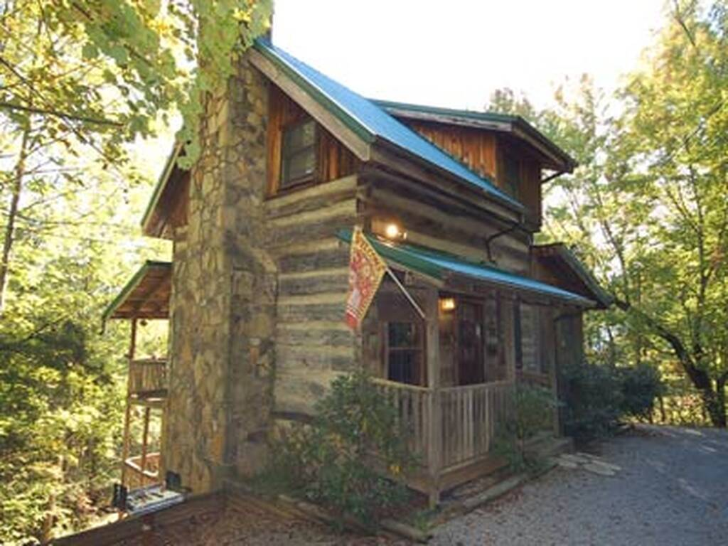 Country charm 2 bedroom vacation cabin rental in - 3 bedroom cabins in gatlinburg tn cheap ...