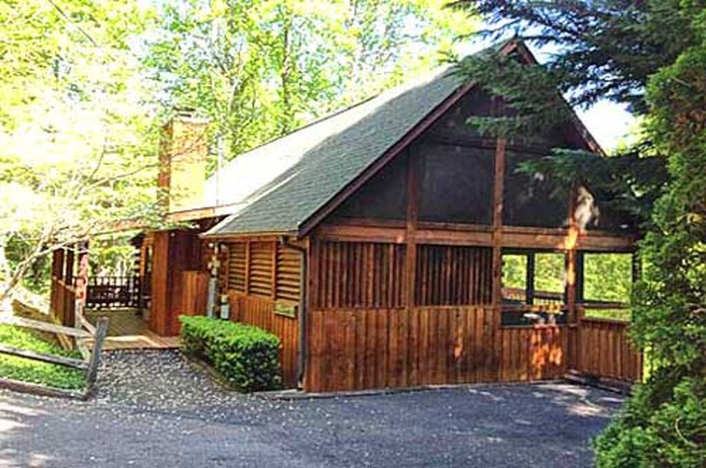Hunters Lodge 1 Bedroom Vacation Cabin Rental In Pigeon Forge Tn