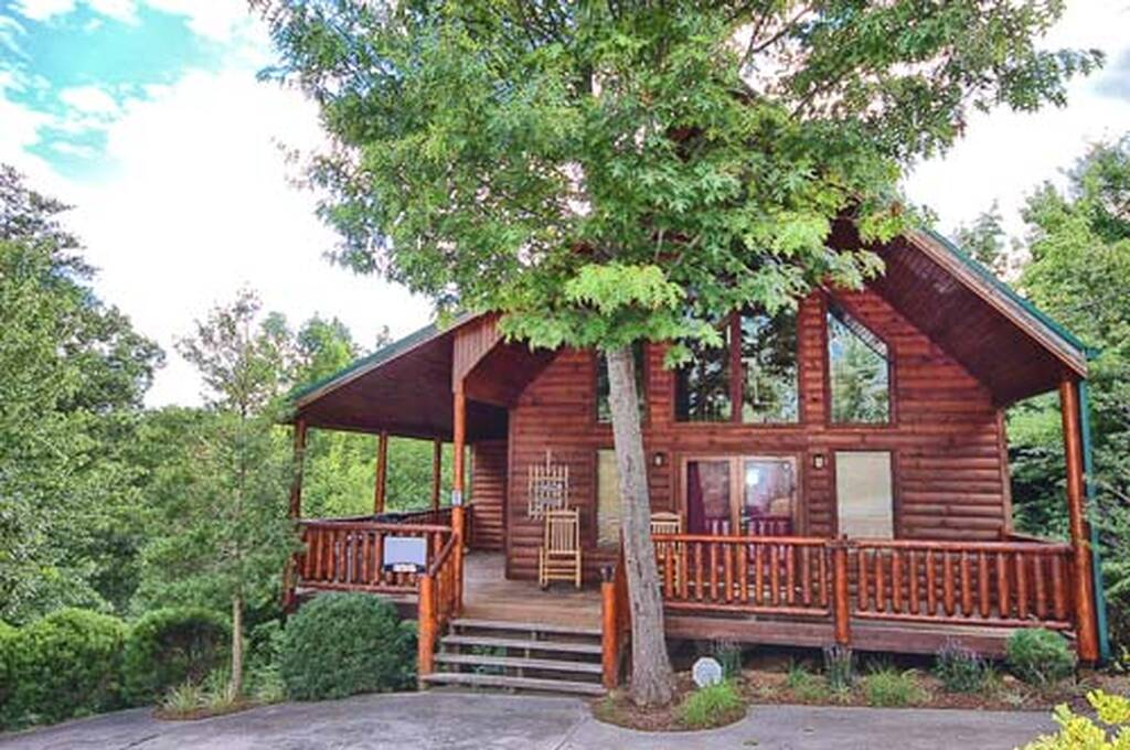 Country Oak 2 Bedroom Vacation Cabin Rental In Pigeon